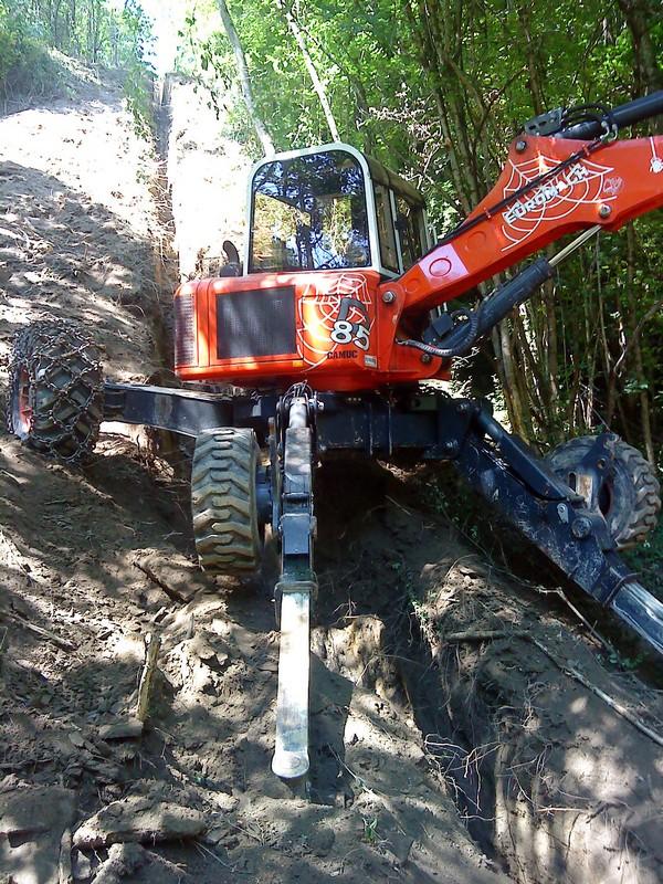 Travaux de terrassement à la pelle araignée à Pontcharra